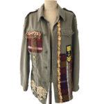 Giacca militare donna: capospalla verde con applicazioni by Circolo Ri-Creativo