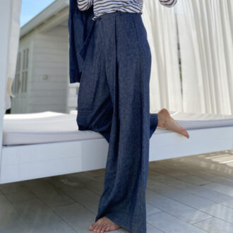 Pantalone largo in denim 01